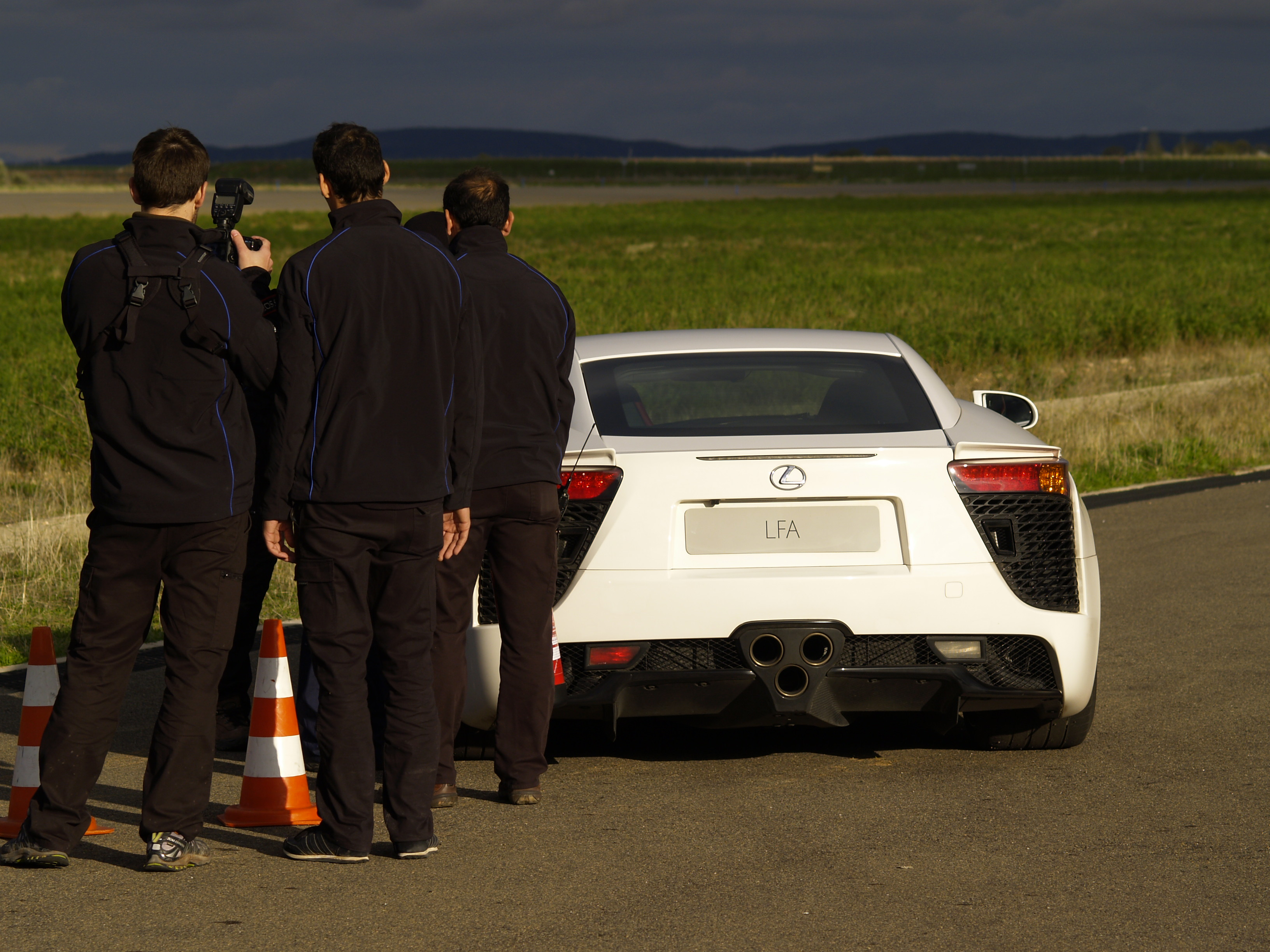 Así suena un Lexus LFA